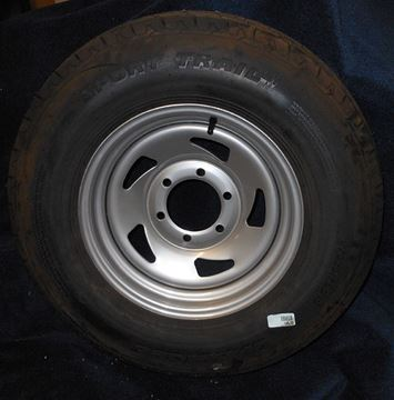 Picture of WHEEL/TIRE-ST225/75D15D ON ULTRASILVER DIRECTIONAL