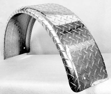"""Picture of FENDER ALUM DIAMOND PLATE TRI-AXLE 15"""" T&W"""